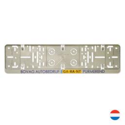 Kentekenplaathouder PZ grijs met tekstrand bedrukt met logo van pelster automotive