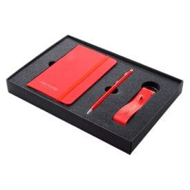 Geschenkpakket met notitieboekje en sleutelhanger | Pelster Automotive